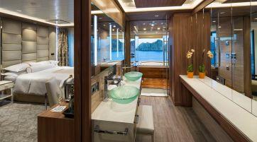 club spa suite cat. sp (bathroom) - room #9002 deck 9 portside forward azamara journey - azamara club cruises