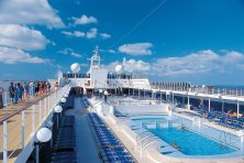 msc_lirica_pool_deck