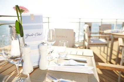 csm_21_l_yacht_club_restaurant_hlkf_ms-europa-2_yacht-club_5963_e30fda14bf