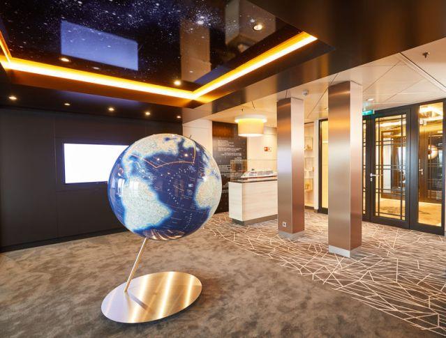csm_cruise_sales_lounge_3d8d288714