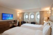 qe2 superior room (2)
