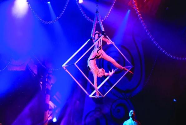 norwegian-jewel-cirque
