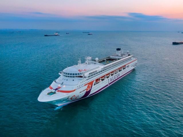 premium cruise liner 'karnika' by jalesh cruises