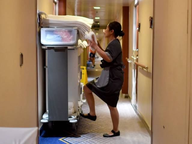 cruise cleaning housekeeping