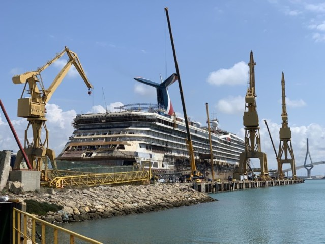carnival victory refit