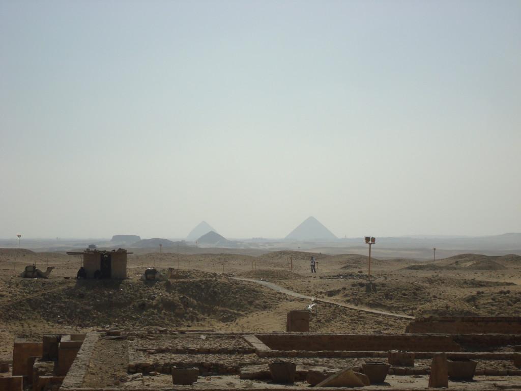 Die Pyramiden von Gizeh in der ferne