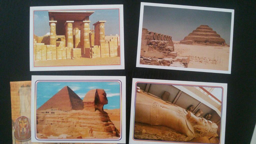 Vier Postkarten von den Sehenswürdigkeiten in Kairo