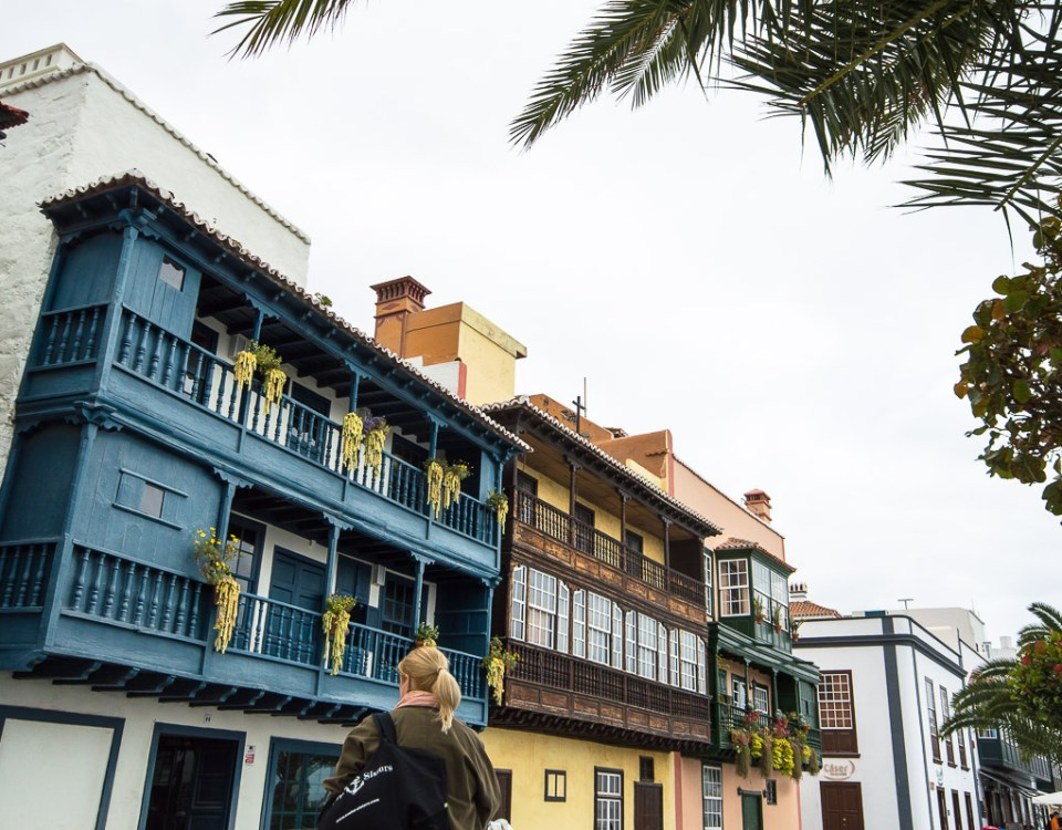 Cruise Sisters exploring the Avenida Maritima La Palma