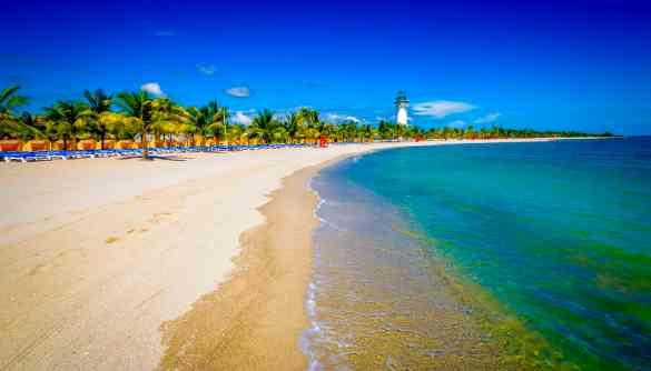 Ten Reasons To Like Harvest Caye Cruise Destination | 2