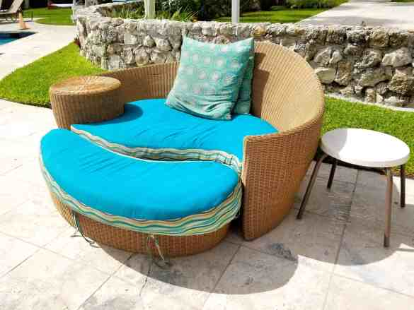 Comfy lounge chairs poolside.