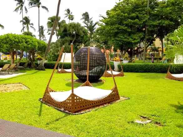 Day Beds at British Colonial Hilton - Nassau, Bahamas