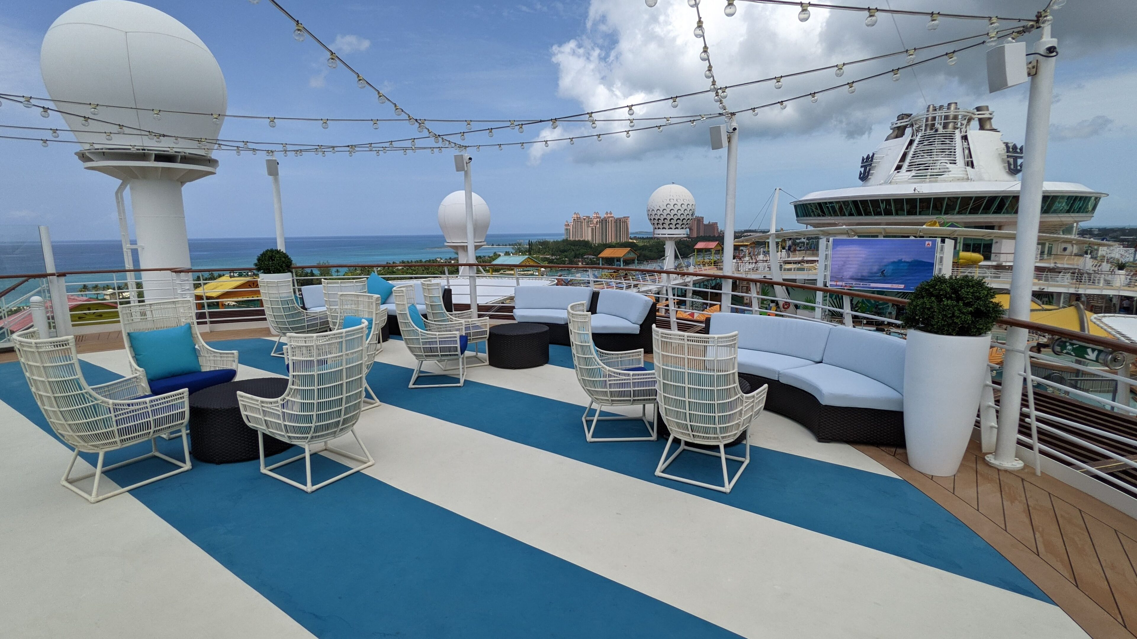 The Lime & Coconut Rooftop Area