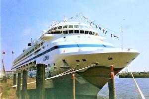 PACIFIC JEWEL ex AIDAblu geht an Zen Cruises