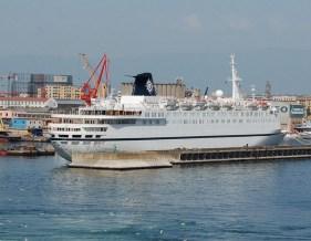 Melody-009 Verlorene Cruise Liner: Abschied von alten Schiffen