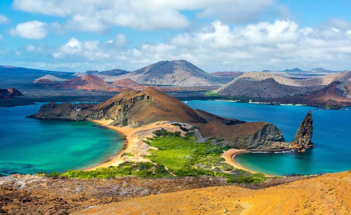 Udsigt over Bartolome øen - en af Gapalagos Øerne med Silversea Expeditions, som du vil opleve