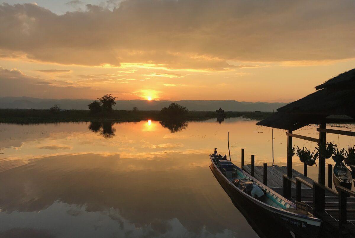 Oplev den smukke solnedgangene ved Inle Søen på din Myanmar rundrejse