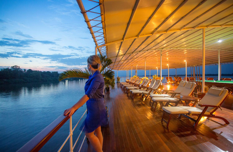 Flod cruises i Cambodia på Mekong floden. Nyd de mukke solnedgange.