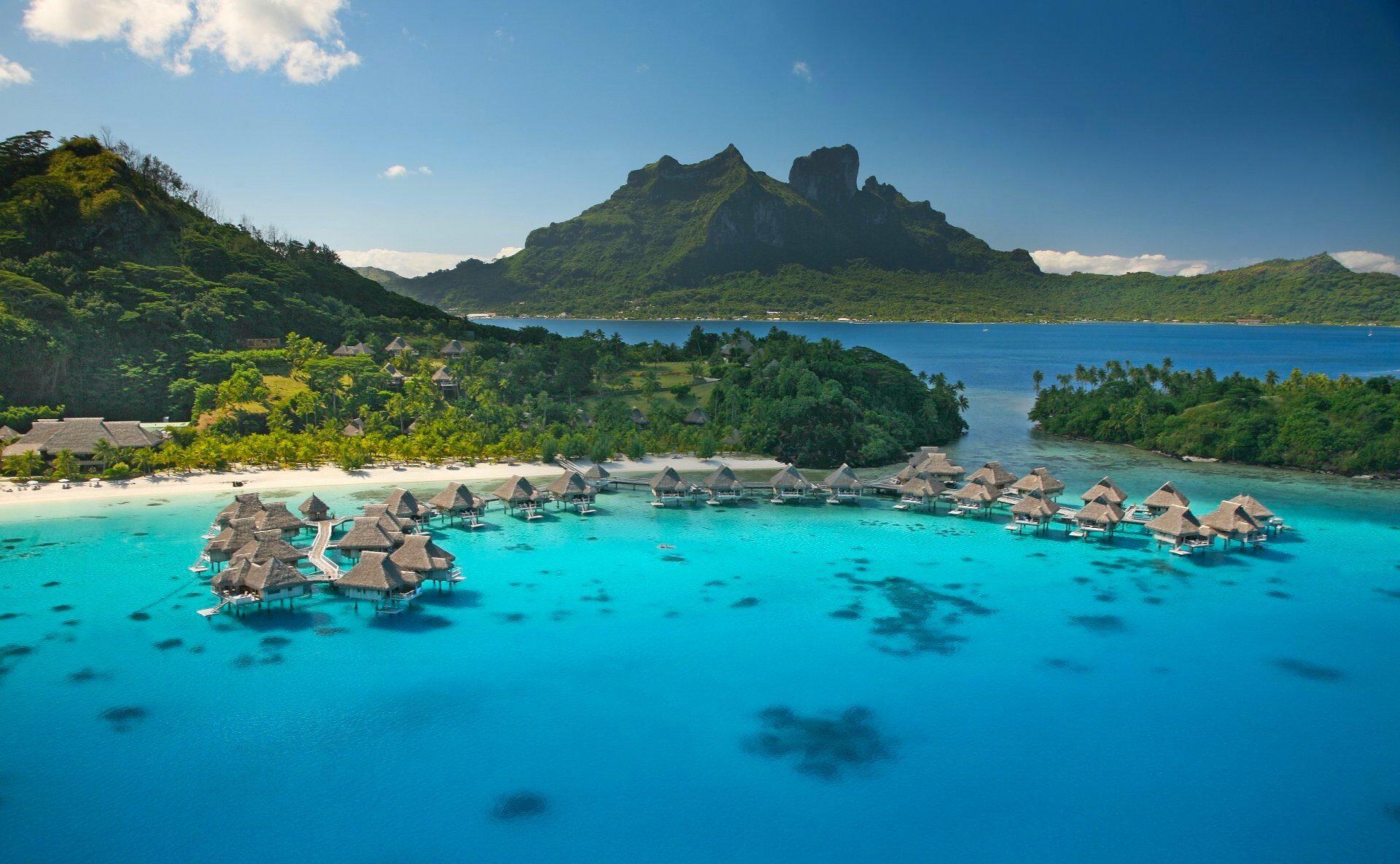 Deluxe Travel to French Polynesia