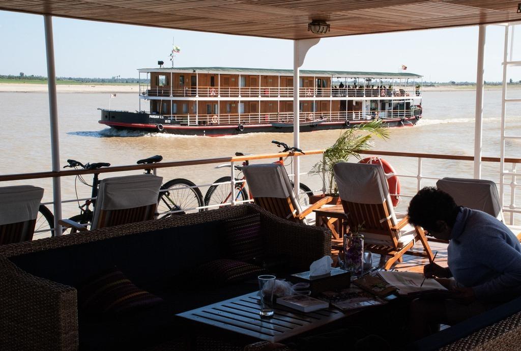 Fred og idyl på Irrawaddy floden i Myanmar