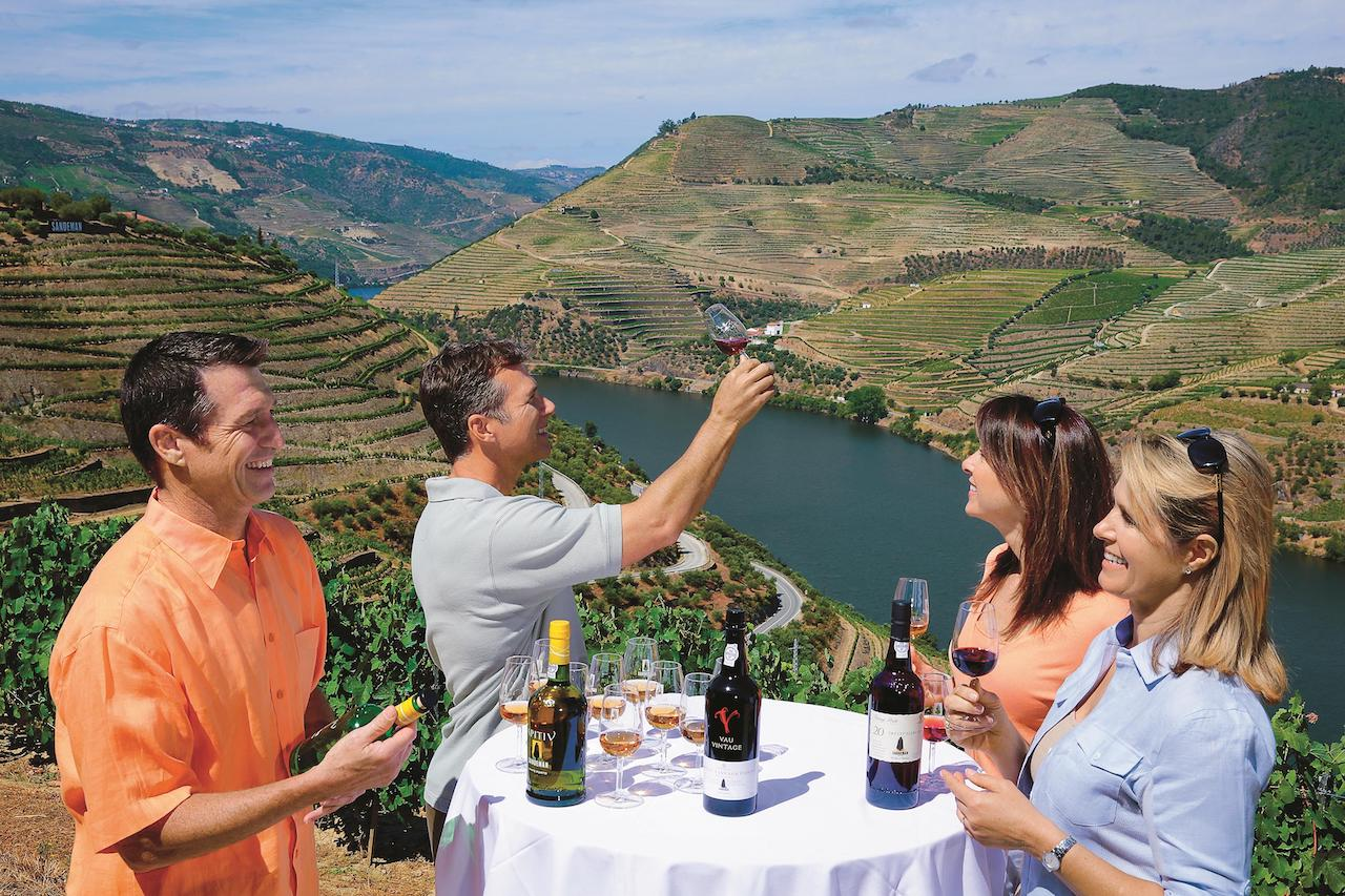 Sandeman vinsmagning ved Douro floden i Portugal
