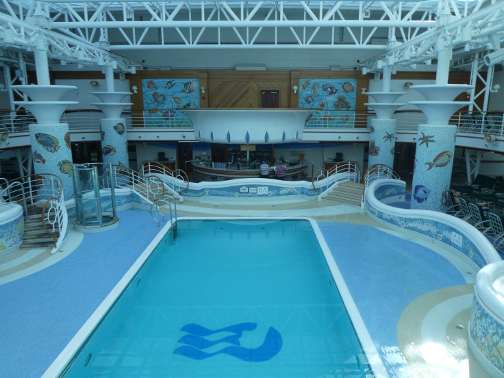Indoor pool on Sapphire Princess