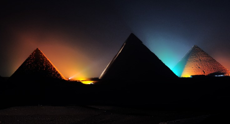 Emerald Waterways DiscoverMORE: Evening light display and entertaining show at the Pyramids (extra expenses)