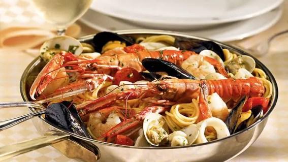 seafood linguine from Sabatinis Trattoria menu