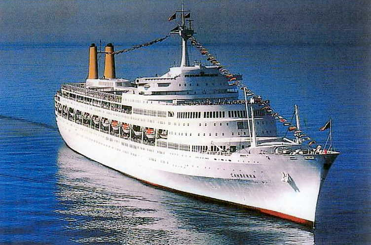Afbeeldingsresultaat voor SS Canberra sinking