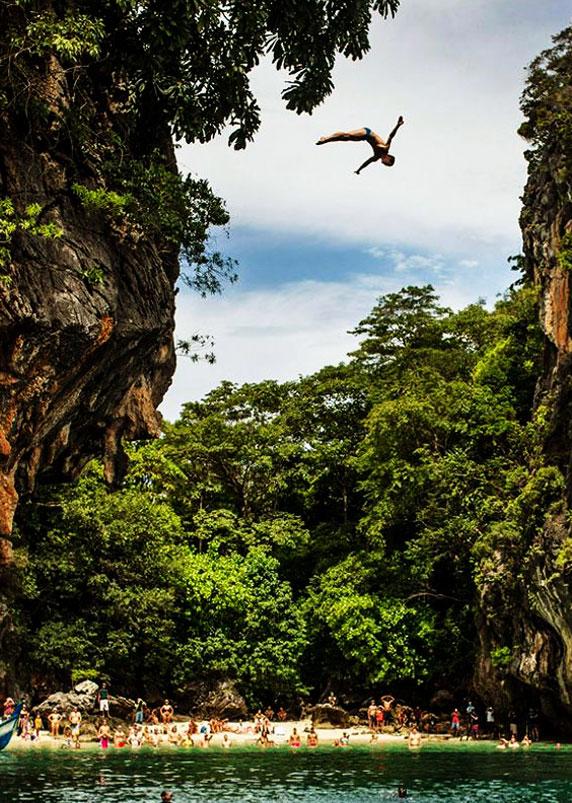 Railay, Thailand cliff dive