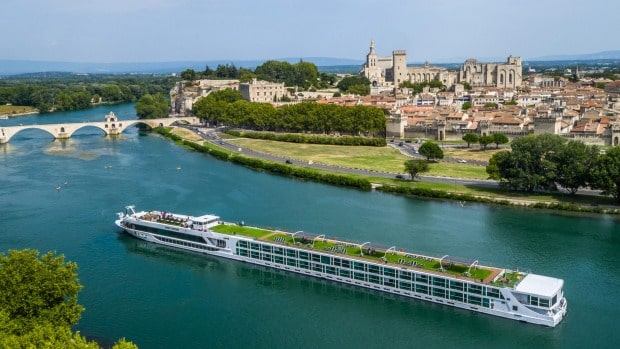 How much does a Seine River cruise cost