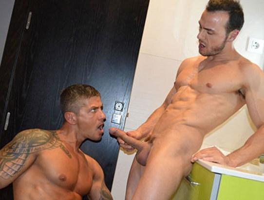 Fotos XXX -  y Goran en el baño del hotel