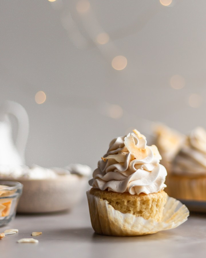 Vegan Coconut Cream Cupcakes
