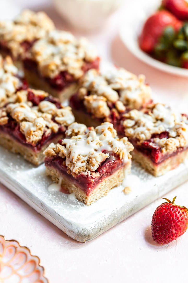 Vegan Strawberry Oat Crumb Bars