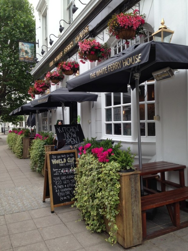 The White Ferry House pub1