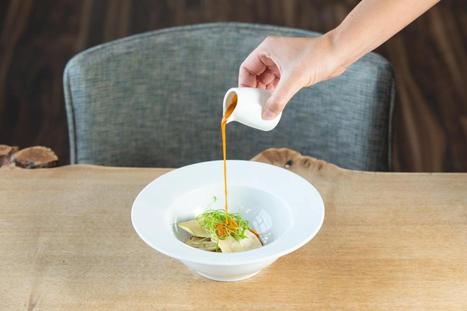 Newlyn-Lobster-DumplingWhite-Crab-Fennel-Shellfish-Bisque