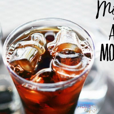 Mississippi Apple Pie Moonshine– an All-American Drink