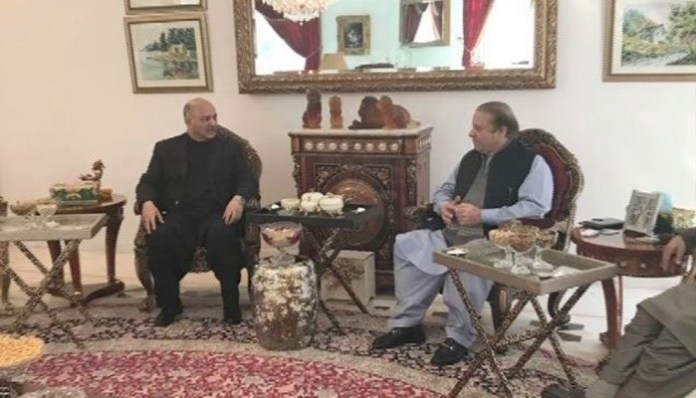 Mushahid Hussain and Nawaz Sharif in Jati Umrah on 4th February 2018