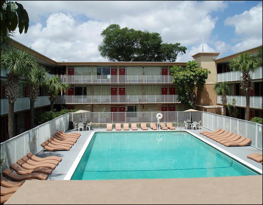 Red Carpet Inn Fort Lauderdale Fl