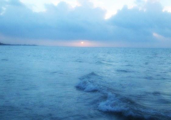 Sunrise_Waves1