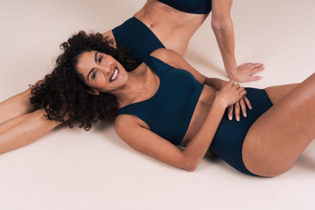 Partner model laying