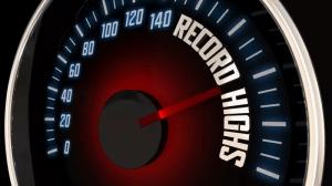 Сезонът на рекордите: Биткойн достига 64 000 долара, докато Кардано надминава 1,5 долара