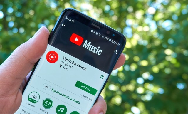 YouTube Music mobile app can now display song lyrics