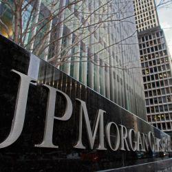 مدير جي بي مورغان السابق : بلوكشين قد يكون مفتاح لتجنب الأزمة المالية العالمية التالية