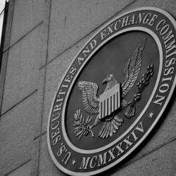 عاجل : SEC تعيد النظر فى طلبات الـ ETF المرفوضة سابقًا