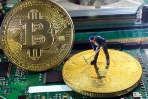 Bitcoin (BTC) Mining Difficulty Is Decreasing But Miners Are Switching Off – What's Going On?