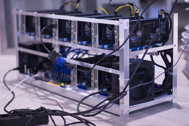 Bitcoin Hash Rate Surges 40% In 2019, Nearing ATH: What Does It Mean?