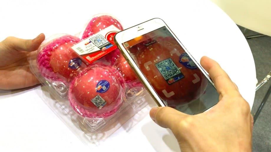sunmoon_apples-min