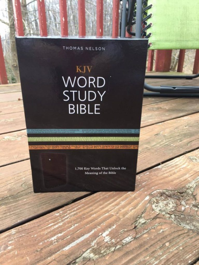 KJV Study Bible Review 1700 words to unlocking the key to the bible