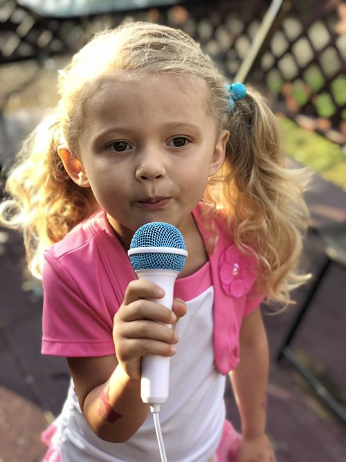 Singing Machine Kid's Mood Karaoke Machine