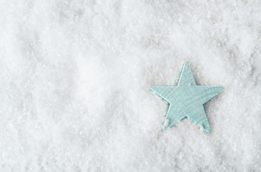 4 Benefits of Artificial Snow vs. Real Snow in Los Angeles with Crystal Ice